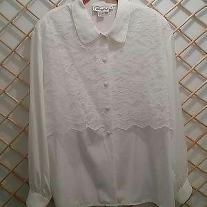🐾Papagallo white w/lace detail blouse, size 16